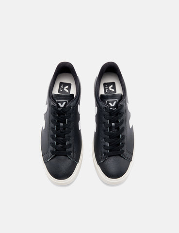 Veja Campo Trainers (Chrome Free Leather) - Black/White