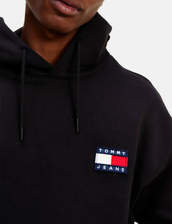 Tommy Jeans Badge Logo Hoodie (Relaxed) - Black