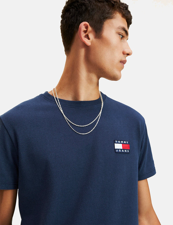 T-Shirt à Logo Badge Tommy Jeans - Black Iris/Navy