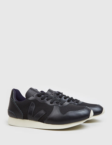 Veja Holiday B Mesh Trainers - Black