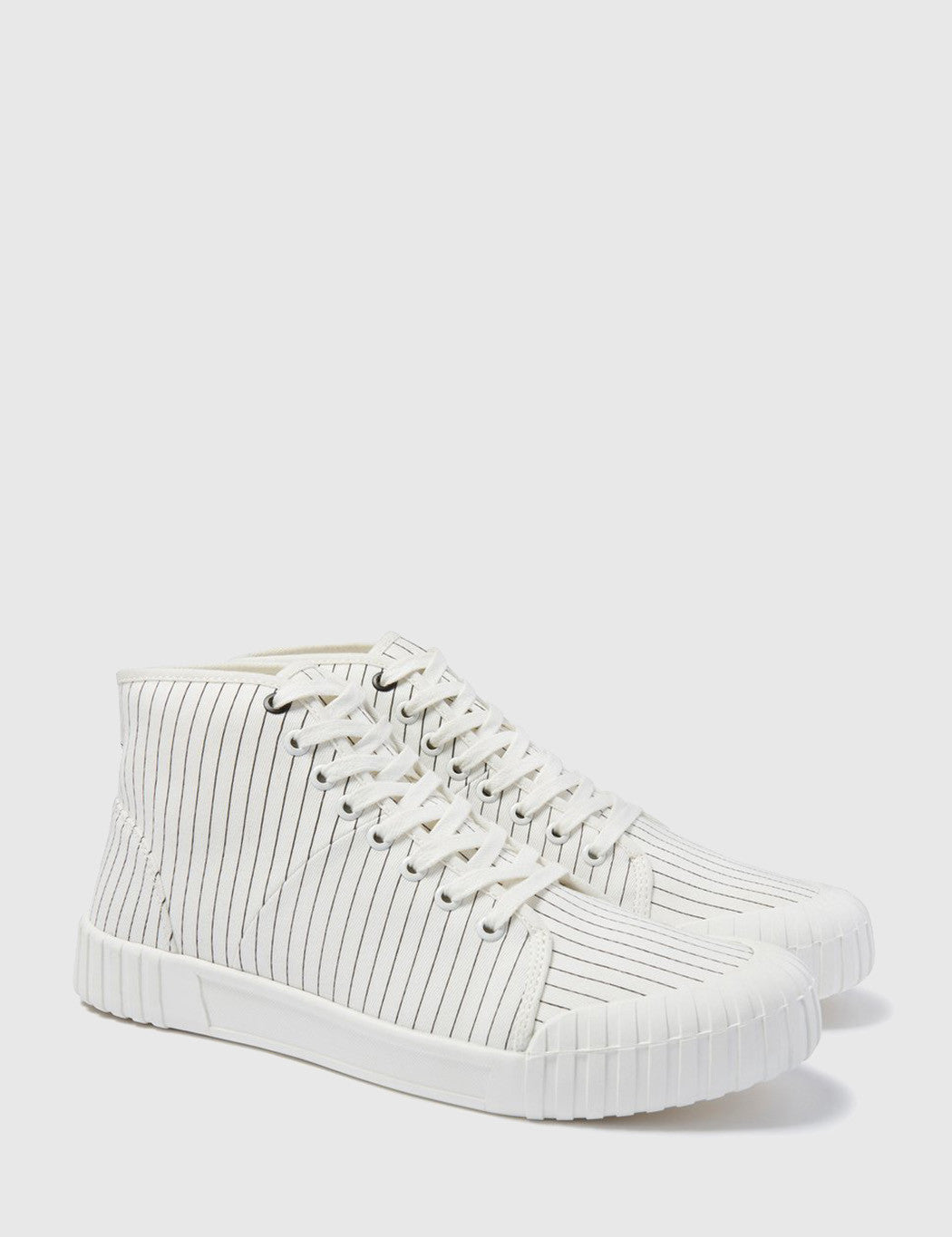 Good News Hurler Hi Trainers (Canvas) - White
