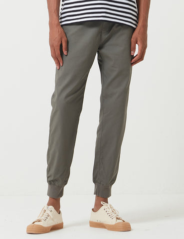 Carhartt-WIP Madison Jogger Cuffed Pants - Moor Green