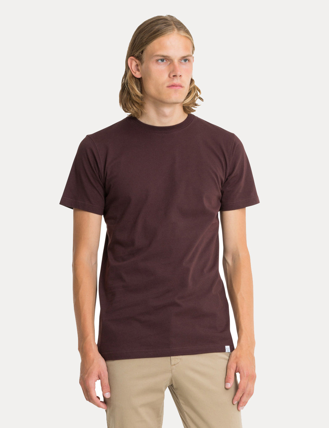 Norse Projects Niels Standard T-Shirt - Eggplant Brown | URBAN EXCESS.