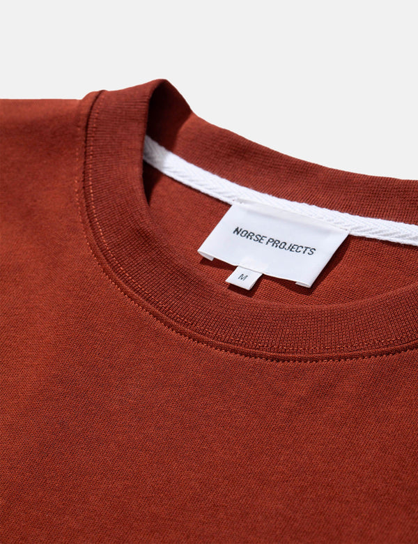 T-Shirt à Poche Johannes Norse Projects - Madder Brown