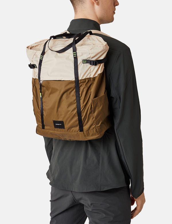 Sandqvist Roger Lightweight Backpack - Sand/Olive