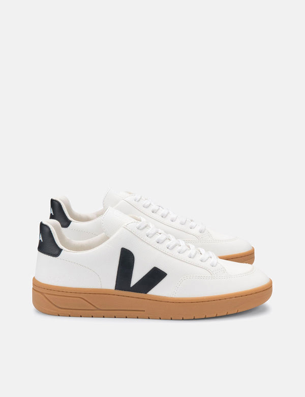 Veja V-12 Trainers (Chrome Free) - Extra White/Black/Gum Sole