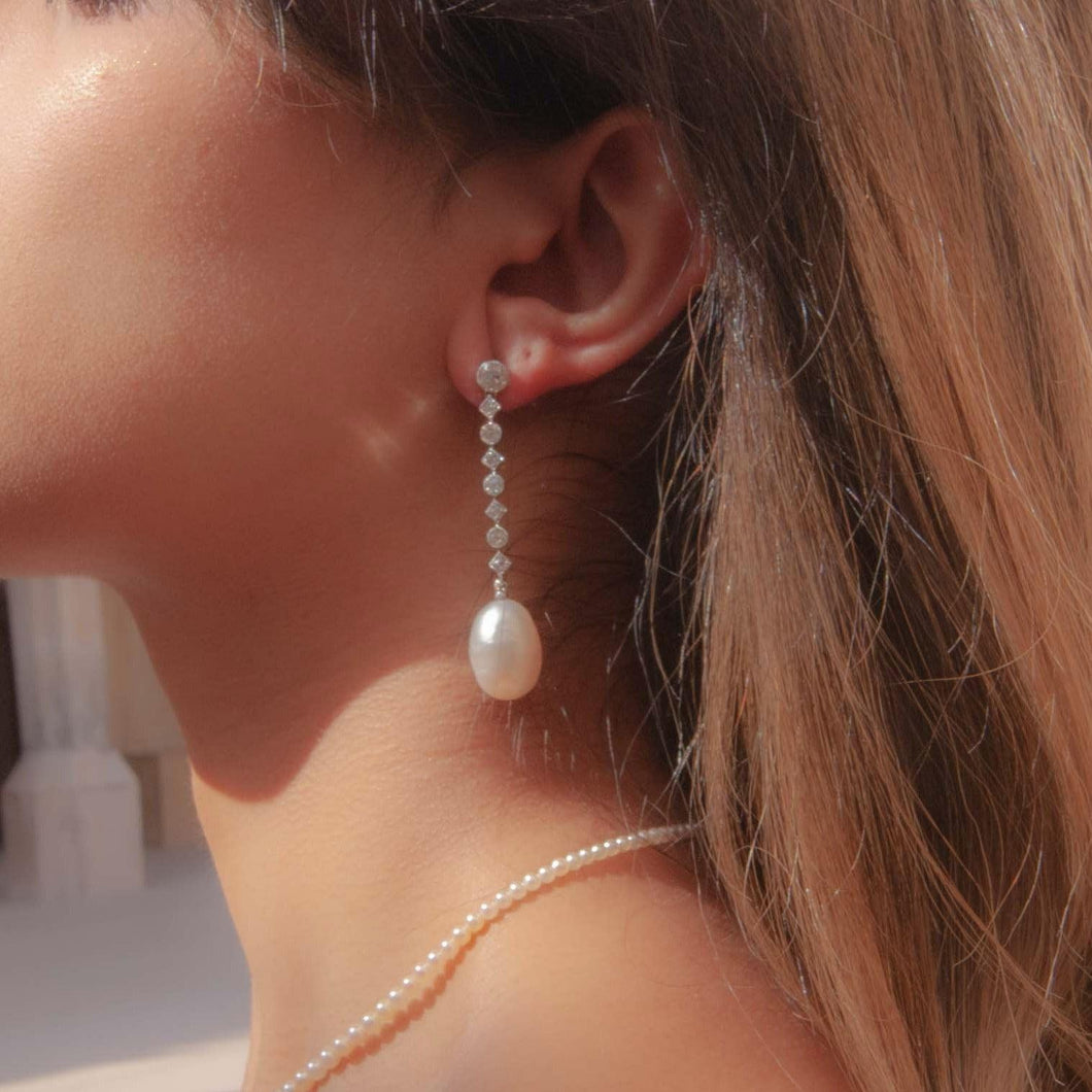 Azza Pearl Earring - Collector's Edition