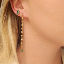 Load image into Gallery viewer, Long earrings with emerald
