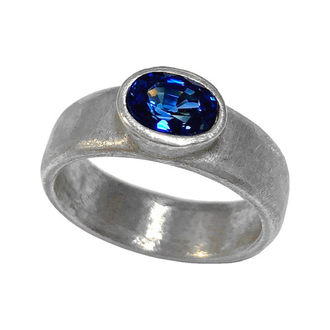 18k White Gold Sideways Oval Sapphire Ring