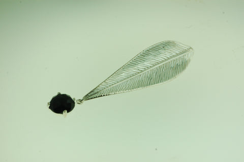 PS012- Sterling Silver Leaf Pendant with Black Onyx