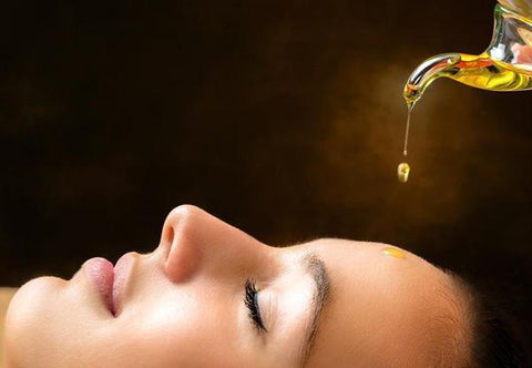 6 Amazing Benefits of Adding Oil to your Beauty Care Routine