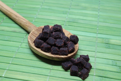 spoonful of dried acai berries