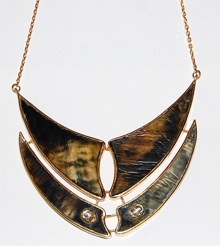 Flying fish fin double horn with 2 polki diamond necklace