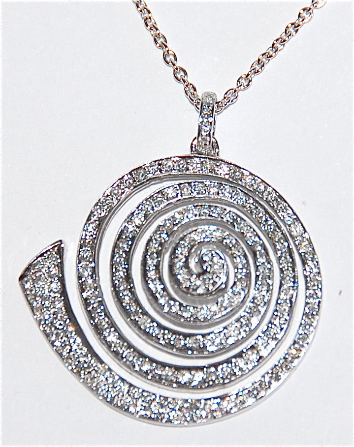 18kt White gold round shell paved diamond necklace