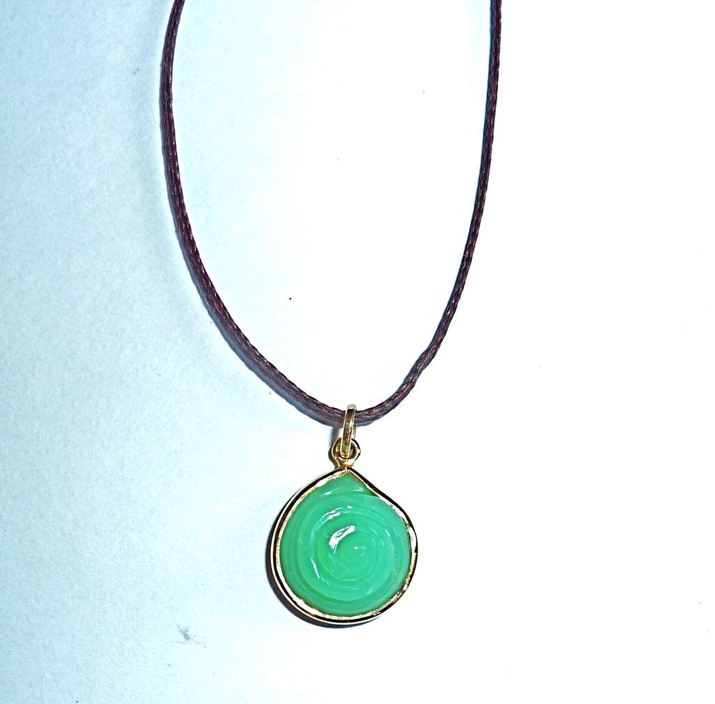 Plain collect shell pendant