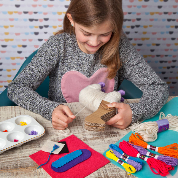 Craft-tastic Yarn Llama Kit