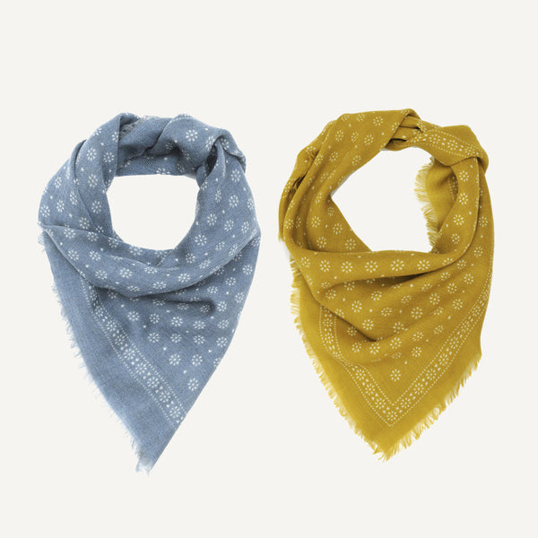 MOIS MONT SQUARE WOOL SCARF