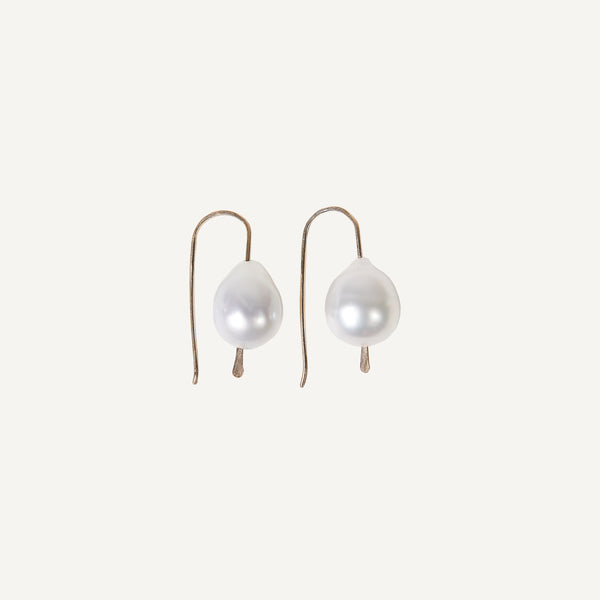 MARY MACGILL 14K GOLDEN TAHITIAN PEARL HOOK EARRINGS