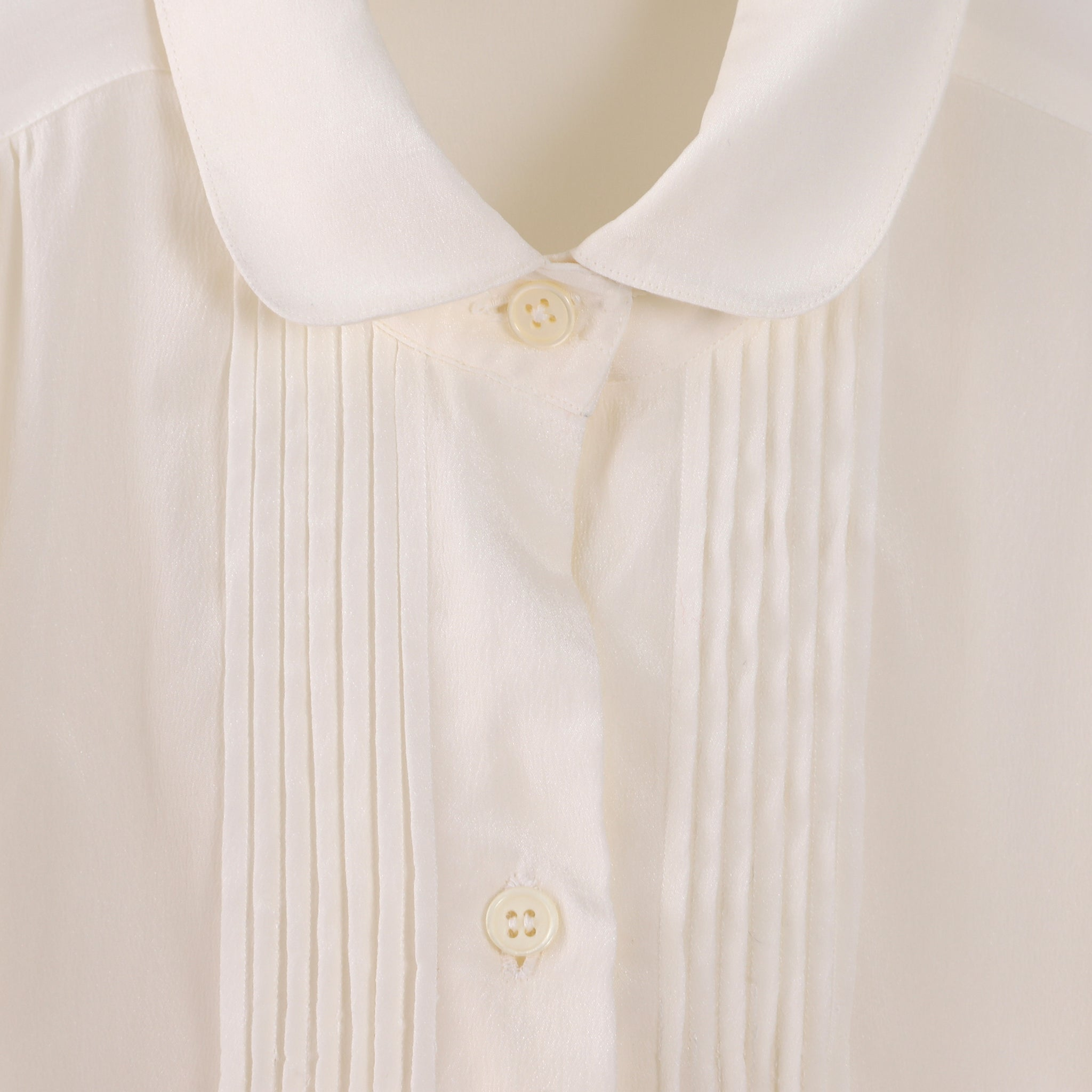 VINTAGE PLEATED FRONT SILK BLOUSE PETER PAN COLLAR