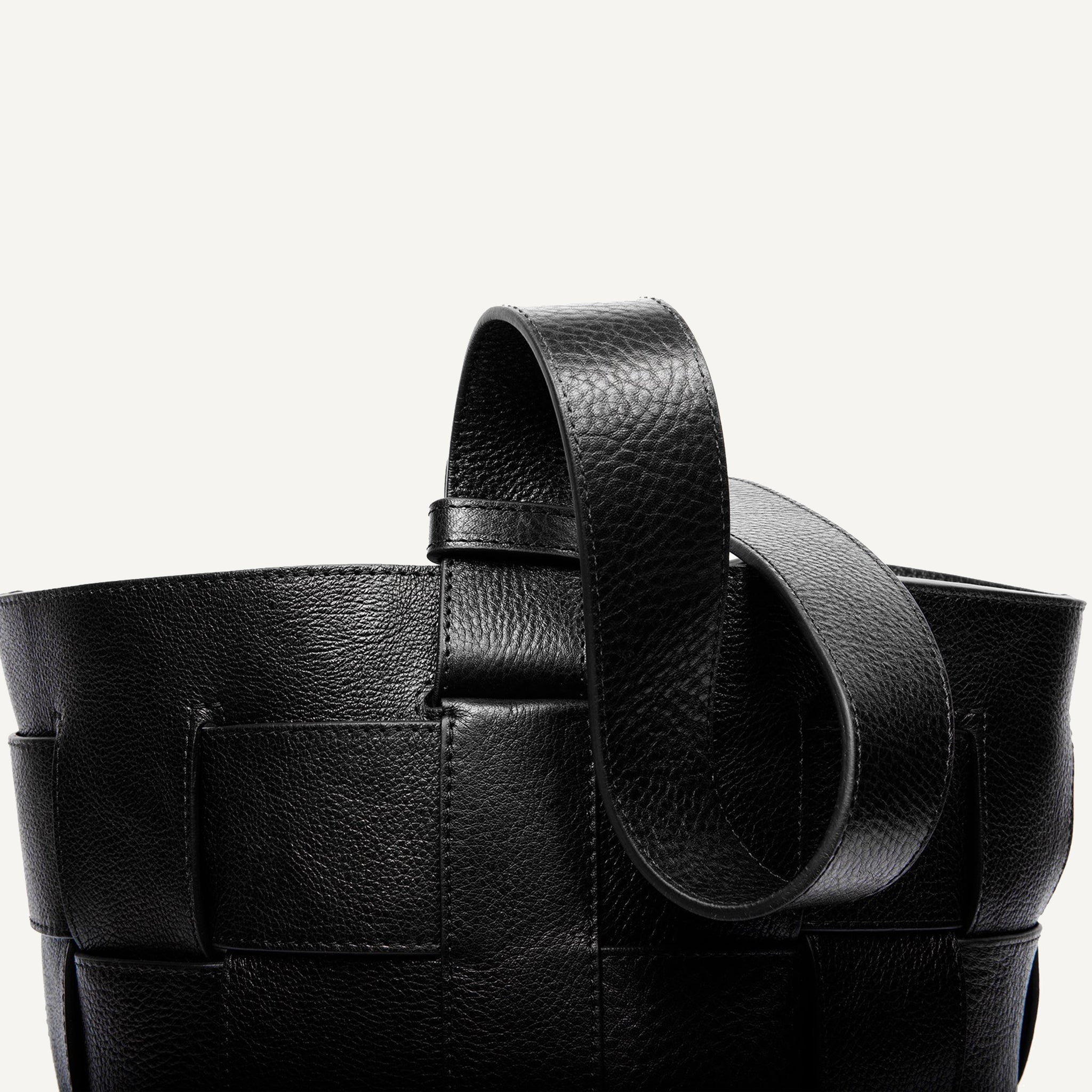 LOTUFF WOVEN LEATHER BUCKET SHOULDER BAG