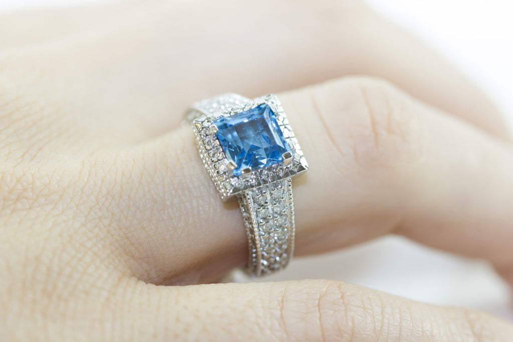Blue Topaz and Diamond Fancy 18K White Gold Ring