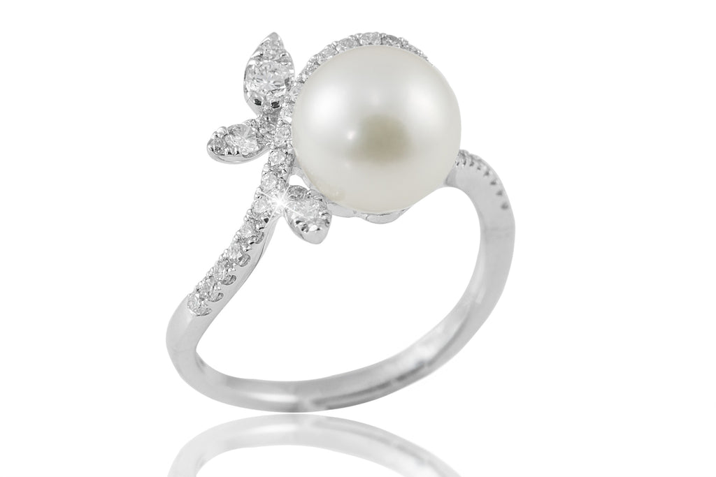 Pearl and Diamond Fantasy 18K White Gold Ring