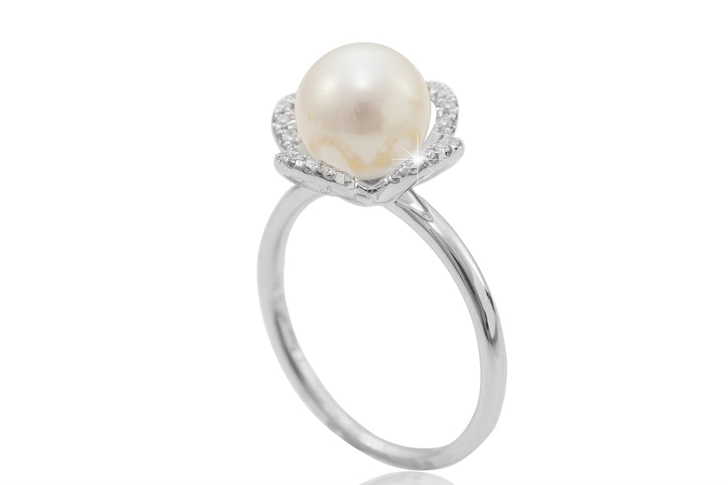 Pearl and Diamond Clover Design 18K White Gold Ring