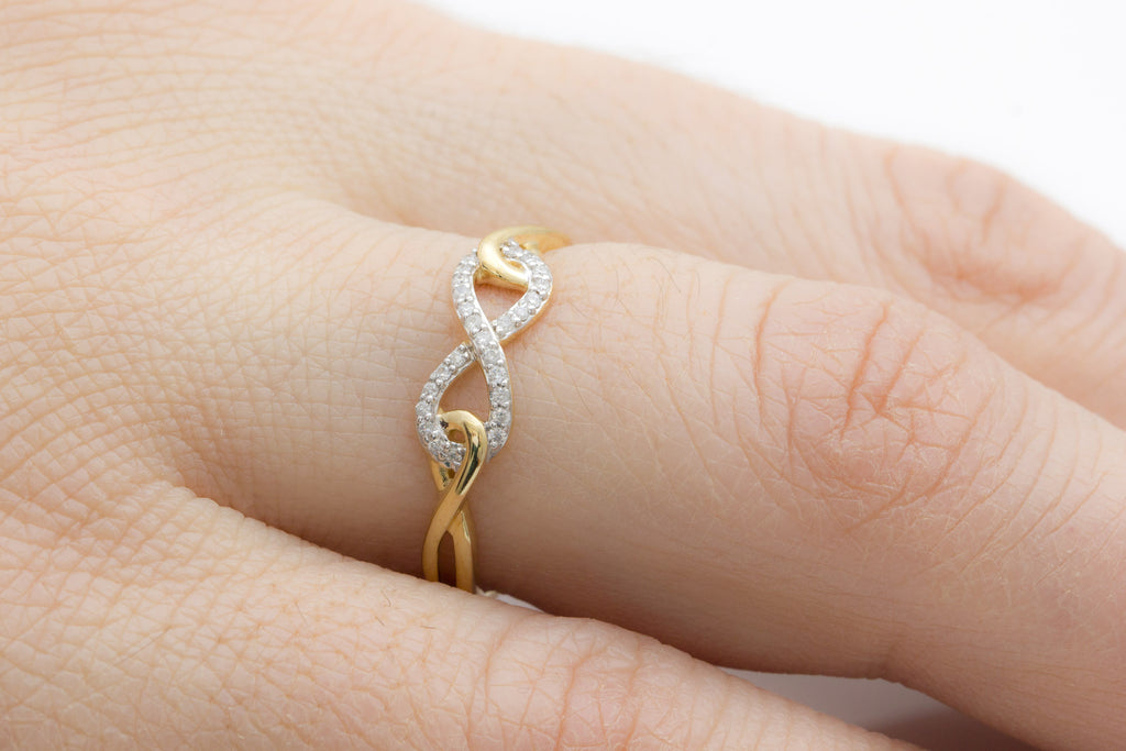 Infinity Diamond 18K Yellow Gold Ring