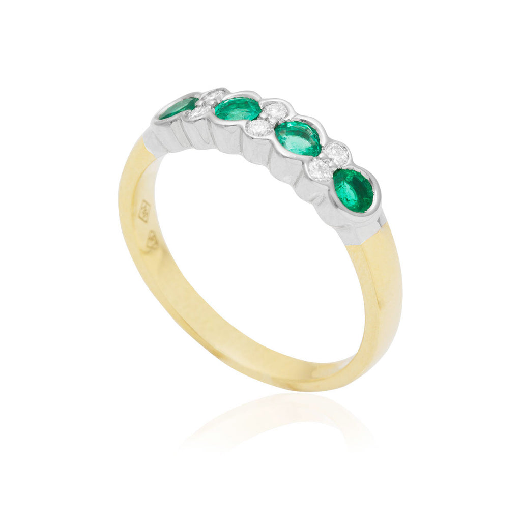 Emerald and Diamond Rub-Over Set 18K Yellow Gold Ring