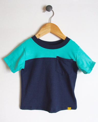 T-Shirt in Navy/Turquoise