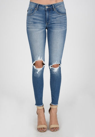 Kan Can Distressed Knee Skinnies