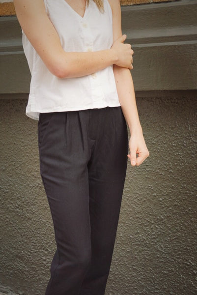 Narrow Trouser in Black