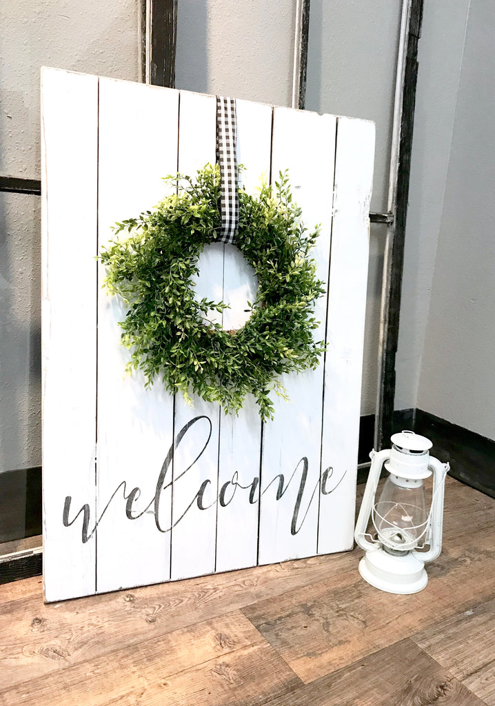 Welcome Sign With Green Wreath