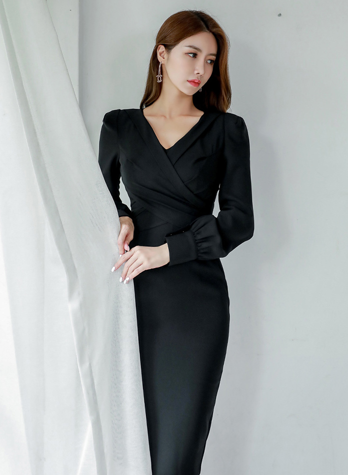 Keriss Black Dress