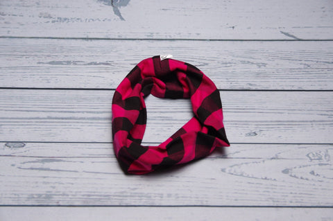 Drool Cowls - Pink Plaid