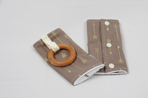 Carrier Strap Cover - Brown and Gold Arrows