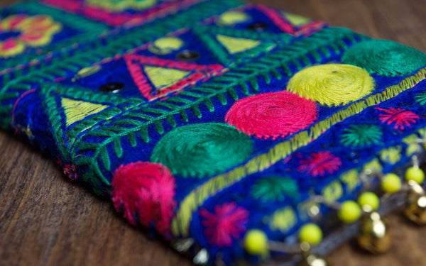 CAPRI  - Embroidered iPhone Cover