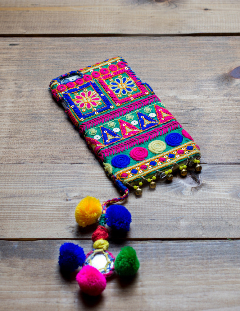 EMERALD - Embroidered iPhone Cover