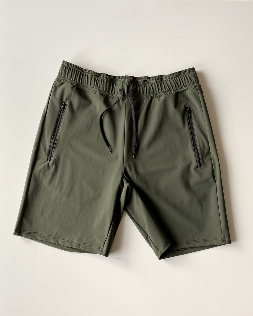 Multifunctional & recycled Népra Triton Shorts for men who train