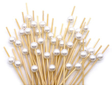 Carica l'immagine nel visualizzatore di Gallery, PuTwo Cocktail Toothpicks 300 Counts Cocktail Picks Handmade Natural Bamboo Cocktail Sticks Eco-Friendly Appetizer Skewers for Cocktail Appetizers Fruits Dessert - White Pearls