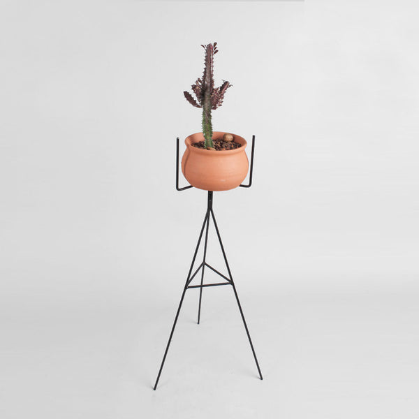 Geo plant stand in black