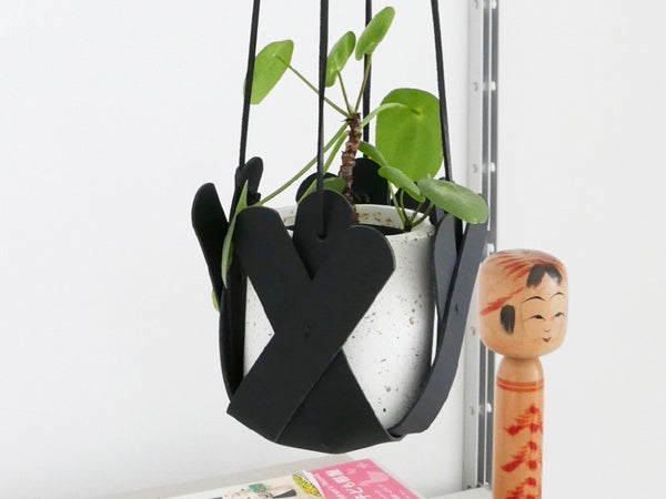 Hanging Petal Planter - Black