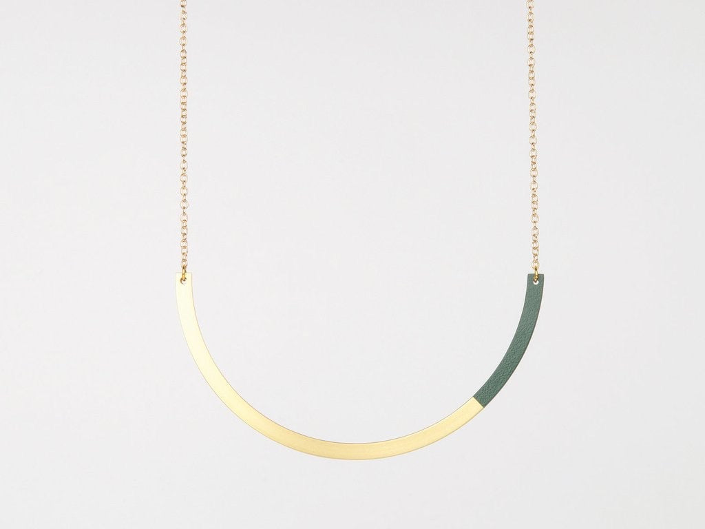 Form Circle Necklace Brass & Forest