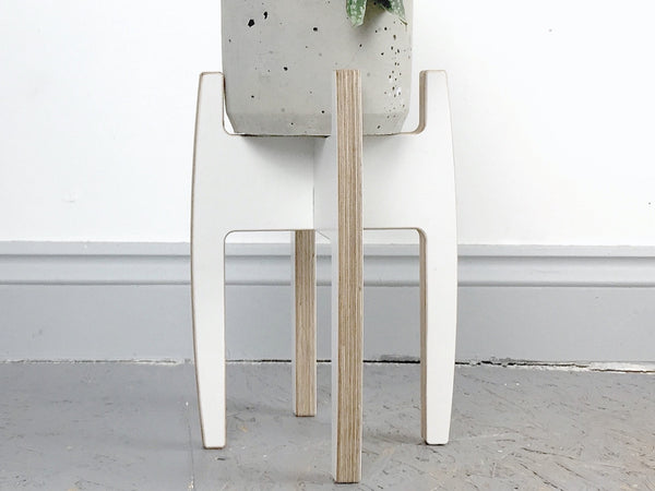 Plystand in white - large