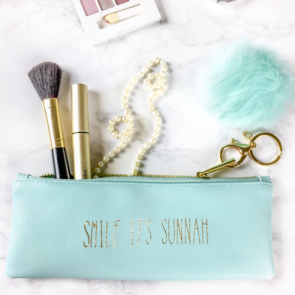 Cosmetics and travel case | Smile it's Sunnah