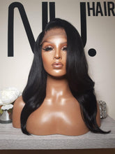 "Load image into Gallery viewer, Vicky - 16"" Black Layered wig"