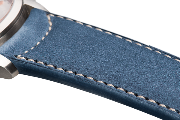 Classic: blue nubuck - natural stitching -  Wriststrap - Raidillon