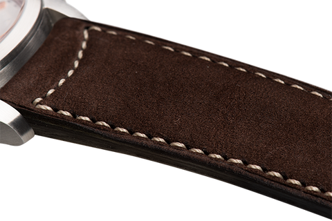 Classic: brown nubuck - natural stitching