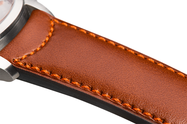 Classic: natural eco calfskin - orange stitching -  Wriststrap - Raidillon