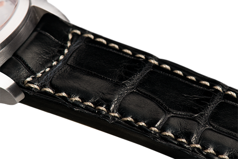 Classic: black Louisiana alligator - natural stitching